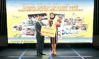 Nam A Bank trao tặng 200 triệu đồng cho Hoa hậu H'Hen Niê