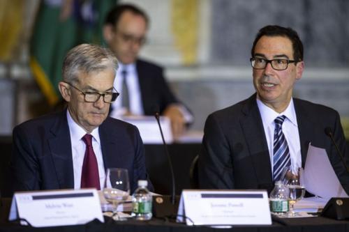 Chủ tịch Fed - Jerome Powell (phải) và Bộ trưởng Tài chính Mỹ - Steven Mnuchin (trái). Ảnh: Bloomberg