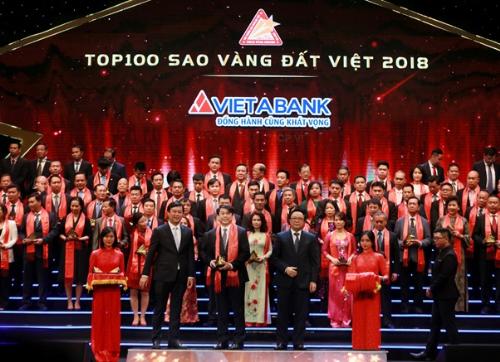 VietABank được vinh danh Top 100 Sao vàng đất Việt - 1