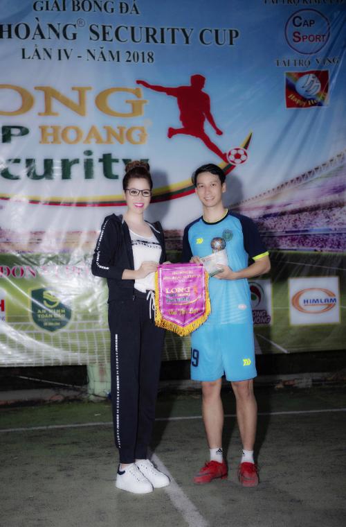 Phạm Nguyễn Huy Tín vua phá lưới Long Hoàng cup 2018 với tổng số bàn thắng 36 bàn.