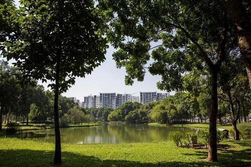 Celadon City có mật độ xây dựng thấp, ưu tiên phát triển cảnh quan xanh nhằm tạo không gian trong lành, xanh mát cho cư dân.
