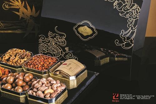 Những món ẩm thực tinh túy nằm bên trong mỗi hộp quà.