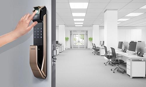 Khóa vân tay ứng dụng nhiều công nghệ hiện đại, đảm bảo an toàn cho gia đình.