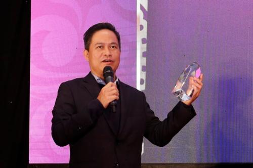 - Ông Nguyễn Bá Diệp  Phó Chủ tịch MoMo phát biểu tại lễ vinh danh. Đây là lần đầu tiên MoMo nhận 2 danh hiệu này từ The Asian Banker, ghi nhận những nỗ lực của đơn vị trong việc việc mang lại sản phẩm và dịch vụ cao cấp cho khách hàng của mình.
