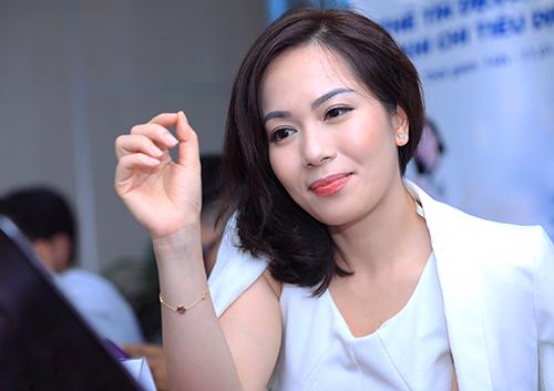 Bà Trần Thu Hương - Giám đốc chiến lược kiêm Giám đốc khối ngân hàng bán lẻ VIB. Ảnh: Hữu Khoa.