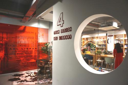 Lối vào không gian chính của Thư viện kiến trúc & thiết kế ADL. Ảnh: Viễn Thông