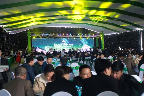Sự kiện thu hút 600 khách hàng tham gia với nhiều giao dịch thực hiện thành công.