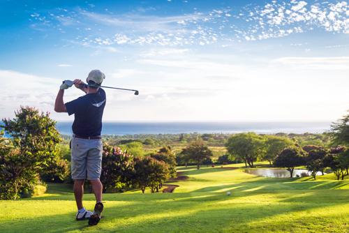Dự án sở hữu sân golf 18 hố cùng 60 tiện ích đẳng cấp khác.