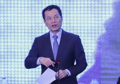 Bộ trưởng Thông tin & Truyền thông Nguyễn Mạnh Hùng.
