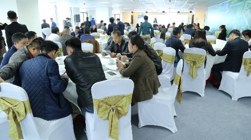 Nhiều khách hàng đã chọn được sản phẩm đầu tư ưng ý tại sự kiện Cơ hội đầu tư - Chia sẻ tầm nhìn.