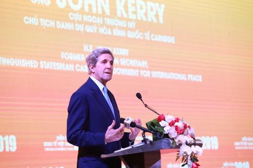 Ông John Kerry, cựu Ngoại trưởng Mỹ, Chủ tịch danh dự Quỹ Carnegie vì Hoà bình Quốc tế.