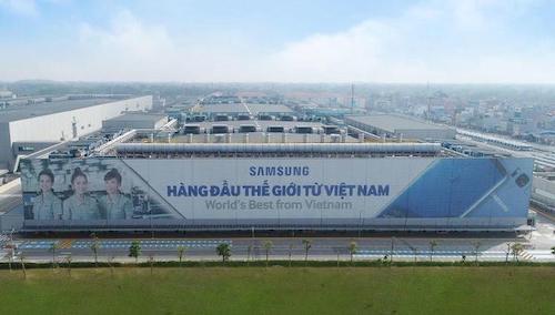 Bên ngoài nhà máy Samsung tại tỉnh Thái Nguyên. Ảnh:S.S
