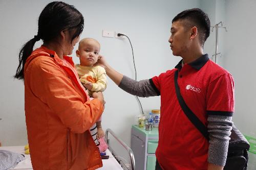 Tập đoàn Elmich đã triển khai các hoạt động thăm hỏi, động viên, trao quà tặng tấm lòng cho các bệnh nhân nhi và những bệnh nhân có hoàn cảnh khó khăn.