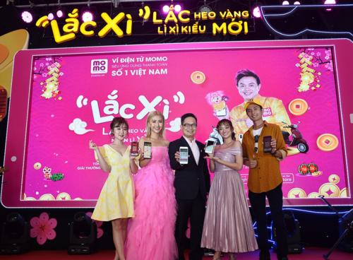 Ông Nguyễn Bá Diệp - Phó chủ tịch ví điện tử MoMo trong buổi ra mắt tính năng Lắc xì..