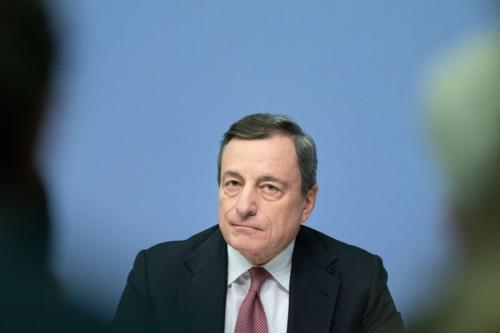 Chủ tịch ECB - Mario Draghi trong một cuộc họp. Ảnh: Bloomberg