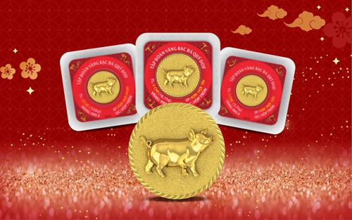Đồng vàng 999.9 Kim Hợi Phát Lộc với hình ảnh chú heo tả thực thể hiện sự ấm no, đủ đầy. Sản phẩm mang thông điệp về sự may mắn, thịnh vượng trong năm mới. Sản phẩm đáp ứng tối ưu nhu cầu tích trữ, đầu tư, quà tặng