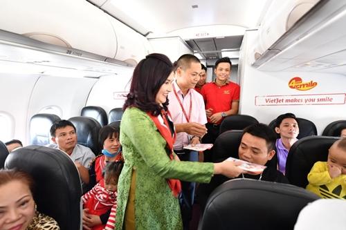 Đáp ứng nhu cầu đi lại tăng cao trong dịp Tết Nguyên đán và mùa lễ hội 2019, Vietjet tăng hơn 2.500 chuyến bay, cung ứng hơn 500.000 vé phục vụ nhu cầu đi lại, du lịch, thăm thân nhân tăng cao của người dân.