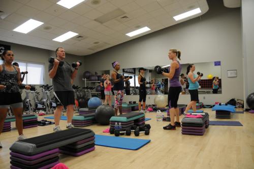 Đến phòng tập giúp nâng cao sức khỏe và thư giãn để lấy năng lượng làm việc. Ảnh: Fort Rucker