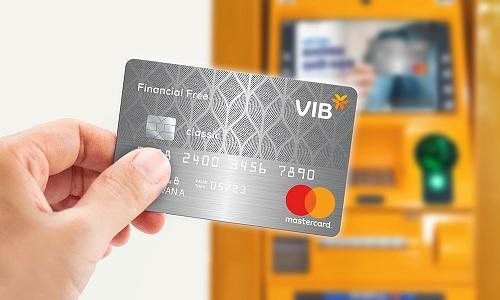 Thẻ tín dụng VIB Financial Free đáp ứng nhu cầu về tiền mặt và thanh toán qua thẻ của khách hàng.