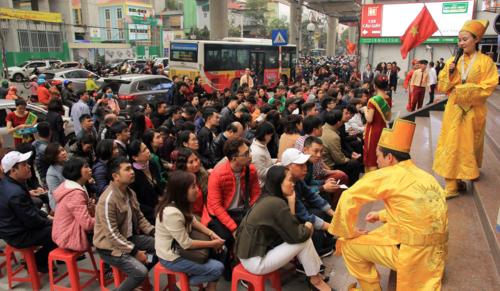 Loạn giá vàng ngày vía Thần Tài, Hà Nội và Sài Gòn tấp nập khách