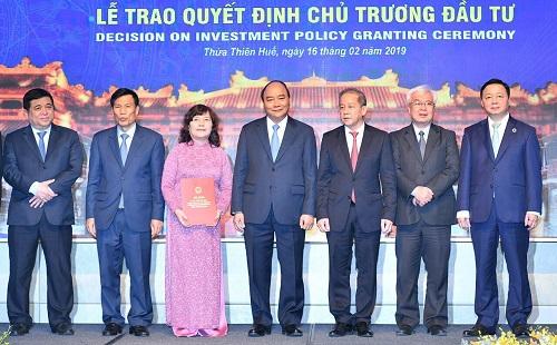 Sáng ngày 16/2 tại Thừa Thiên Huế, Thủ tướng Chính phủ Nguyễn Xuân Phúc dự hội nghị phát triển du lịch miền Trung - Tây Nguyên để bàn về các cơ chế, chính sách, giải pháp đột phá để phát triển lĩnh vực mũi nhọn của khu vực này.