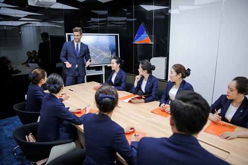 Đội ngũ nhân sự đa quốc gia của Smart Property sẽ đáp ứng mọi nhu cầu của khách hàng.