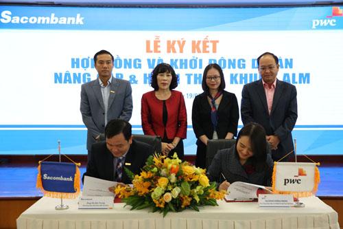 Lễ ký kết hợp đồng và khởi động dự án Nâng cấp và hoàn thiện khung quản lý tài sản có - tài sản nợ.