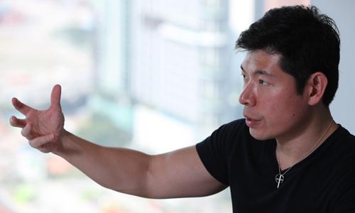 CEO Grab - Anthony Tan trả lời phỏng vấn Nikkei hôm 20/2. Ảnh: Nikkei