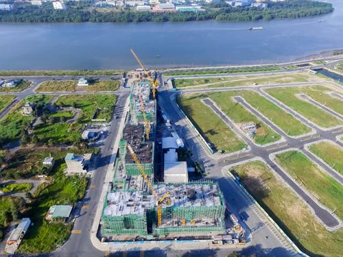 Đến tháng 2, dự án đã xây lên được tầng 5 ở tất cả các tòa tháp.