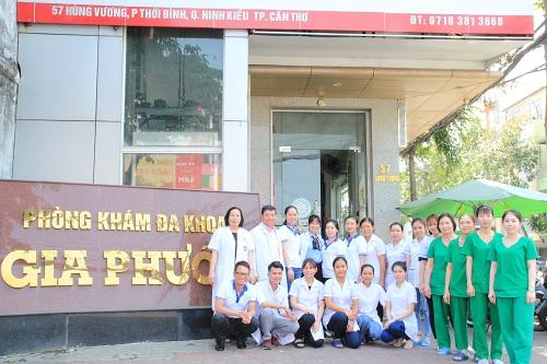 Đội ngũ bác sĩ, điều dưỡng luôn được khuyến khích ân cần với bệnh nhân.
