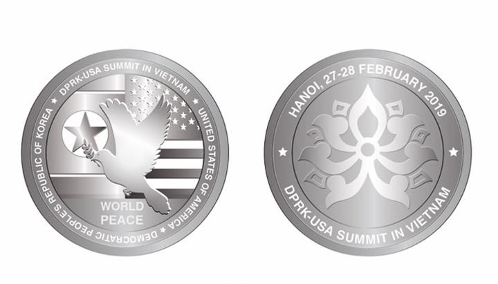 Mẫu thiết kế đồng xu bằng bạc kỷ niệm hội nghị thượng đỉnh Mỹ - Triều lần 2 ở Việt Nam do Việt Nam phát hành.