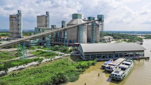 Nhà máy sản xuất của Xi măng Vicem Hà Tiên.