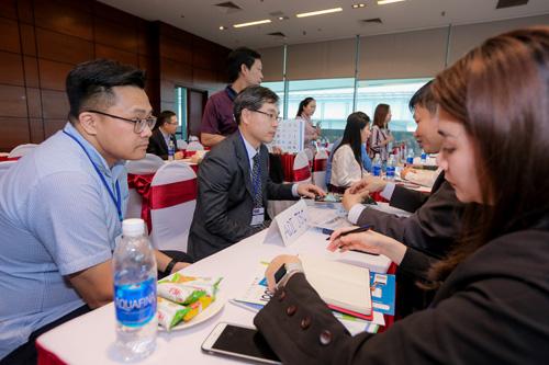 Người tham gia triển lãm có cơ hội mở rộng quan hệ, hợp tác kinh doanh.