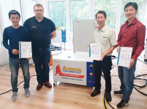 Tiêu đề:Công ty Sơn Vũ được - nhà sản xuất nguồn laser fiber hàng đầu thế giới đào tạo về bảo dưỡng và khắc phục sự cố nguồn laser fiber tại Viêt Nam ( Xin bài edit) - 2