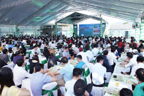 Gần 500 khách hàng tham dự sự kiện giới thiệu dự án Golden Hills.