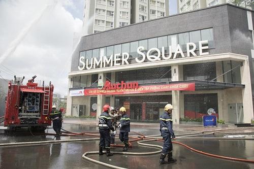 Diễn tập phòng cháy chữa cháy tại khu căn hộ Summer Square.