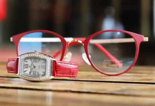 Đồng hồ nữ Diamond D giảm 20% cho bộ sưu tập ngày 8/3 - 10