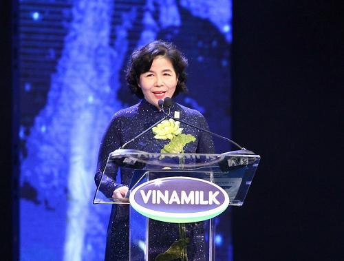 Bà Mai Kiều Liên – Tổng Giám đốc Vinamilk phát biểu tại sự kiện Kỷ niệm 40 năm thành lập công ty.