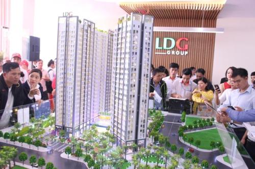 Dự án Saigon Intela có mức giá từ 1,3 tỷ đồng mỗi căn hộ 2 phòng ngủ, 2 WC thu hút khách hàng.