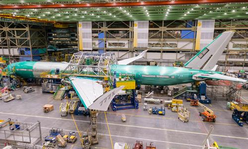 777X trong nhà xưởng của Boeing. Ảnh: CNN