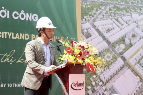 Đại diện chủ đầu tư, ông Nguyễn Hữu Tài - Phó tổng giám đốc thường trực chia sẻ tại buổi lễ.