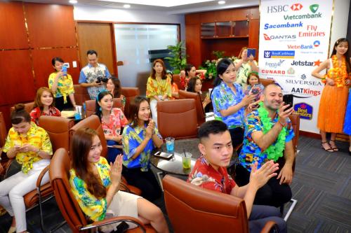 Nhiều tín đồ du lịch đến dự lễ ra mắt văn phòng Crown Royal Corp tại Việt Nam.