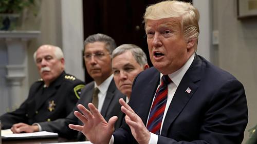 Tổng thống Mỹ - Donald Trump trong cuộc gặp hôm qua. Ảnh: AFP