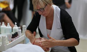 Học điều trị da miễn phí tại sự kiện Selvert Thermal Tour 2019
