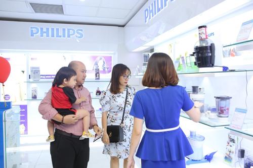 Khách hàng mua các sản phẩm máy lạnh sẽ được hưởng 8 ưu đãi hấp dẫn.