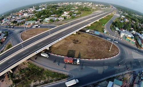 Cao tốc TP HCM - Long Thành - Dầu Giây, một trong những tuyến đường huyết mạch kết nối liên vùng các địa phương như Bà Rịa - Vũng Tàu, TP HCM...