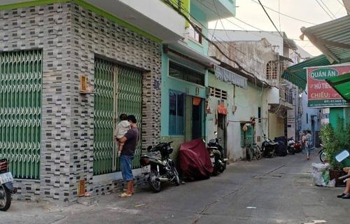 Nhà phố nhỏ trong hẻm to giá dưới 3 tỷ đồng đang được sang tay 3 lần trong một tuần. Ảnh: Hà Thanh