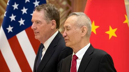 Đại diện Thương mại Mỹ - Robert Lighthizer và Phó thủ tướng Trung Quốc - Lưu Hạc. Ảnh: AFP