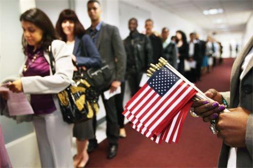 Mỗi năm, Chính phủ Mỹ chỉ cấp 700 visa định cư cho Việt Nam