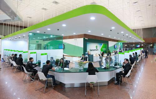 Hoạt động giao dịch tại ngân hàng Vietcombank.